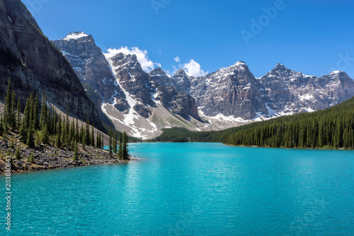 Fotobehang Canada Moraine lake in Banff National Park, Canada