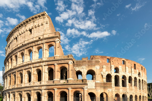 Photo  Sunset view of Colosseum in Rome, Italy