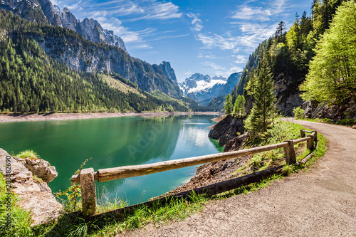 Fotobehang Meer / Vijver Sunny sunrise at Gosausee lake in Alps, Austria