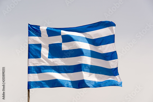 Photo Greek flag on a pole floating in the wind
