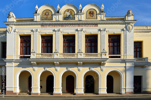 Foto op Aluminium Theater Colonial theatre with arcades by the main square (Plaza de Armas) in the Cienfuegos city on Cuba