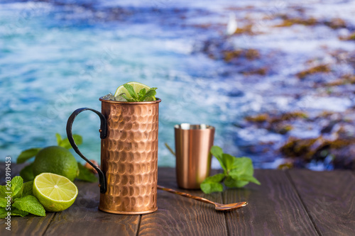 Tuinposter Cocktail Cold Moscow Mules cocktail