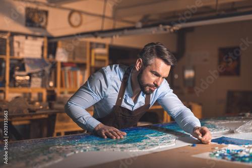 Young master in uniformat work Fototapet
