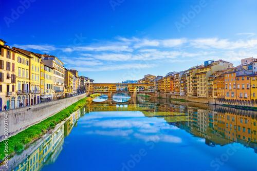 Papiers peints Lieu d Europe View of Ponte Vecchio. Florence, Italy
