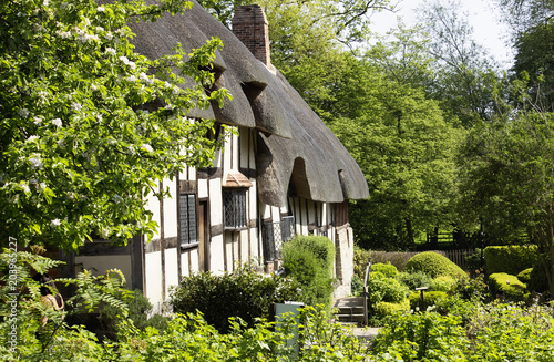 Anne Hathaway cottage. Shakespeare wife house Poster
