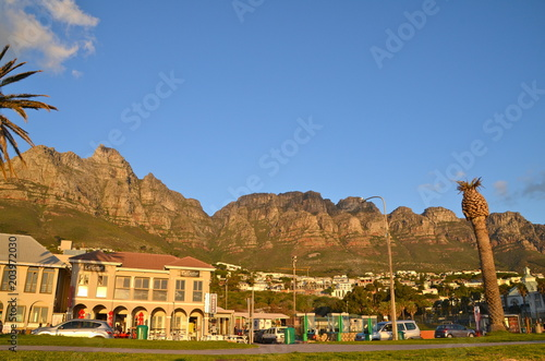 Staande foto Afrika Spectacular sunset in Camps Bay, South Africa