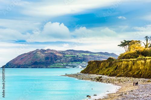 Zdjęcie XXL Wybrzeże i plaża Morza Irlandzkiego przez Bray koło Dublina