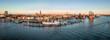 Elbphilharmonie, Hafencity und St. Pauli (Landungsbrücken) bei Sonnenuntergang