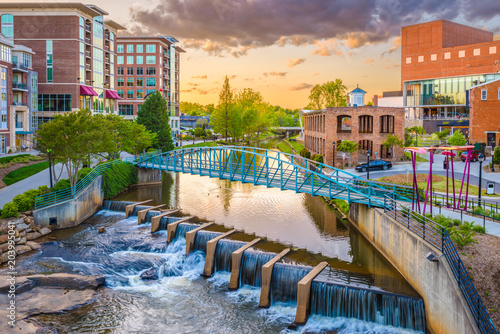 Foto auf Leinwand Wasserfalle Greenville, South Carolina, USA Cityscape
