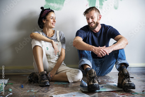 Fotomural Couple renovating the house