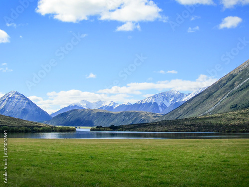 Deurstickers Noord Europa Viewpoint with the lake and mountain in New Zealand