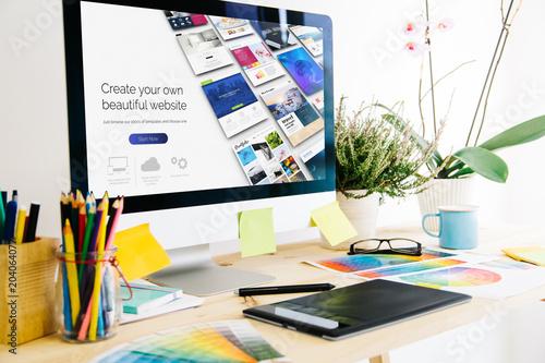 Carta da parati Graphic design studio website builder