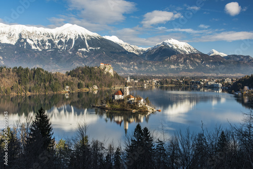 Foto op Plexiglas Oost Europa Top view over Lake Bled, Upper Carniola, Slovenia