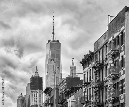Tuinposter New York City Black and white picture of Manhattan architecture, New York City, USA.