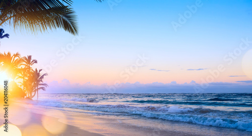 Spoed Foto op Canvas Caraïben Art summer vacation drims; Beautiful sunrise over the tropical beach