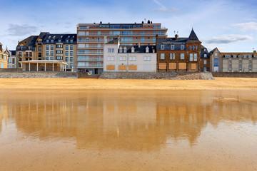 Saint-Malo. Sandy beach at low tide.