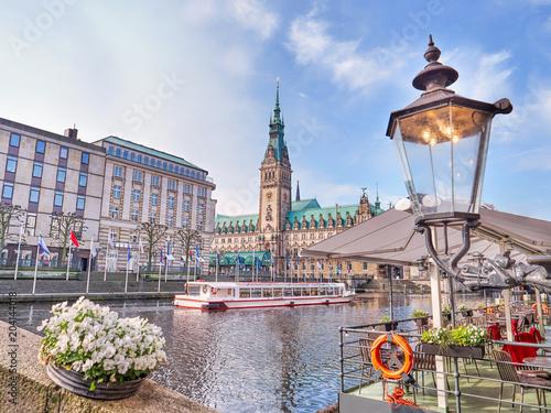 Carta da parati  Town Hall in Hamburg city, lake Binnenalster, historical center