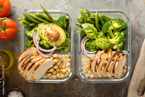Papiers peints Secheresse Grilled chicken meal prep containers