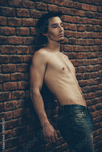 Foto op Aluminium Akt shirtless young man