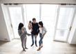 Leinwanddruck Bild - Family buying new house