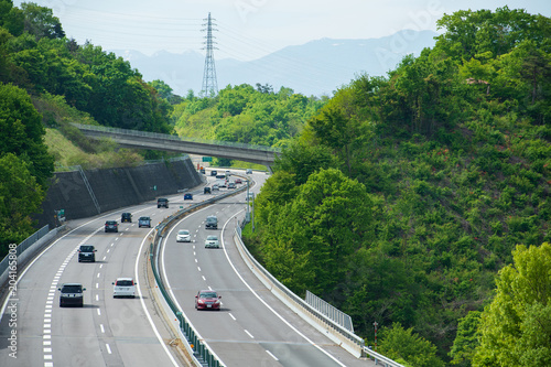 山間部の高速道路