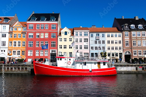 Photo  Red boat in Copenhagen