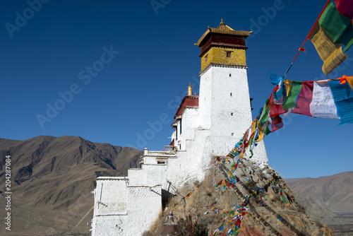 Deurstickers Historisch geb. Tibetan monastery, Tibet