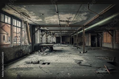 Papiers peints Les vieux bâtiments abandonnés Factory hall ruin