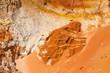 Düne mit roter Sand. Sand Texure und Sand Formation in unterschidlichen Farben.