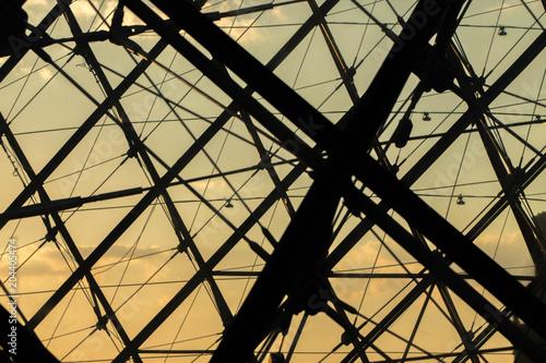 Valokuvatapetti intérieur structure metal