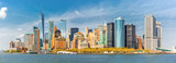 Fototapeta Nowy Jork - Downtown New York skyline panorama viewed from a boat sailing the Upper Bay