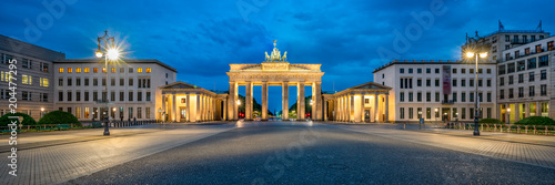 Canvas Prints Historical buildings Brandenburger Tor Panorama am Pariser Platz, Berlin, Deutschland