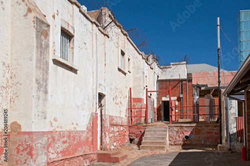 Photo Constitution Hill was a jail that housed Mahatma Gandhi and Nelson Mandela and now is home to the Constitutional Court, Johannesburg, South Africa