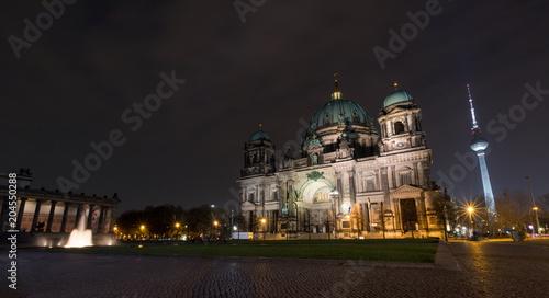 Zdjęcie XXL Katedra w Berlinie wieczorem