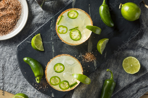 Photo  Homemade Spicy Margarita with Limes