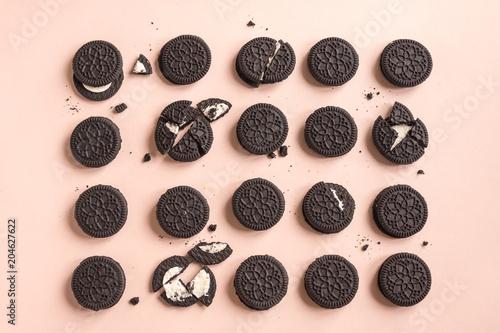 Oreo (chocolate and cream) cookies