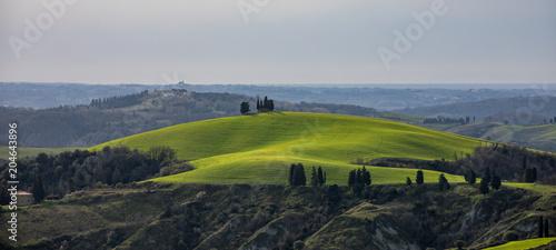 Foto op Canvas Bleke violet Hills of the Tuscany, Castelfalfi