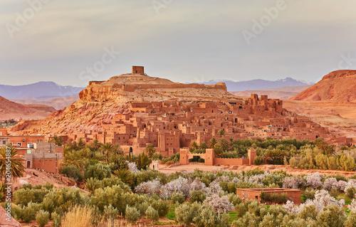 Foto auf Gartenposter Koralle Kasbah Ait Ben Haddou in the Atlas Mountains of Morocco. UNESCO World Heritage Site since 1987.