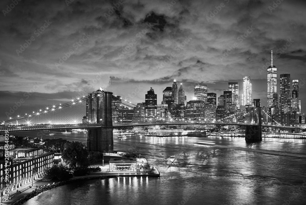 Fototapety, obrazy: Brooklyn Bridge and Manhattan at night, New York City.