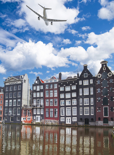 Photo  Traditional old buildings in Amsterdam