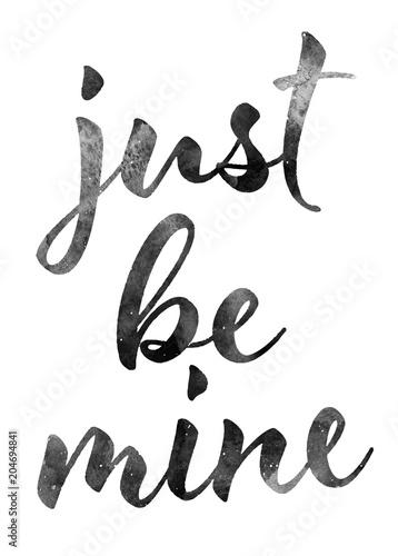 just-be-mine-czarny-napis-na-jasnym-tle