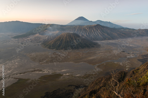 Staande foto Vulkaan Mount Bromo volcano (Gunung Bromo) during colorful sunrise from viewpoint on Mount Penanjakan in Bromo Tengger Semeru National Park, East Java, Indonesia