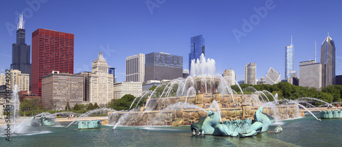 Photo sur Toile Chicago Chicago skyline and Buckingham Fountain