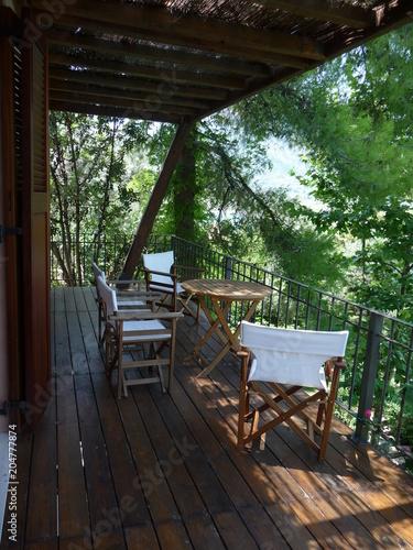 Salon de jardin et terrasse – kaufen Sie dieses Foto und finden Sie ...