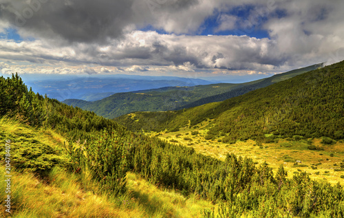 Tuinposter Honing Beautiful mountain landscape
