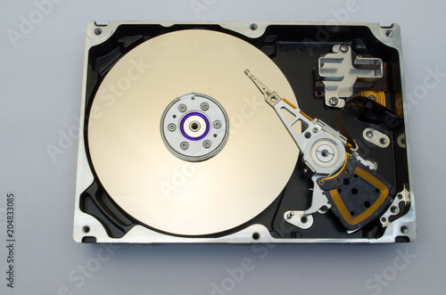 Fotografía  hard disk drive, HDD, isolate, white background,  top view
