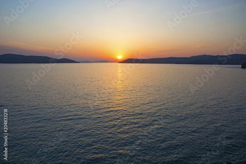 Deurstickers Zee zonsondergang beautiful fiery sunset over the sea