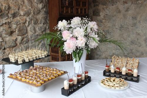 Foto op Aluminium Buffet, Bar Buffet d'amuse bouche, mariage