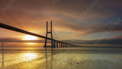 Keuken foto achterwand Bruggen Long bridge on sunset