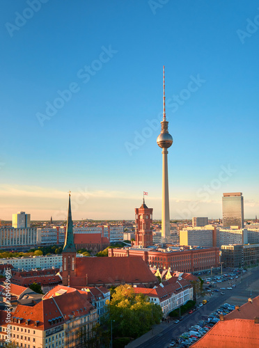 Photo sur Toile Europe Centrale Aerial view of central Berlin on a bright day in Spring, iand television tower on Alexanderplatz